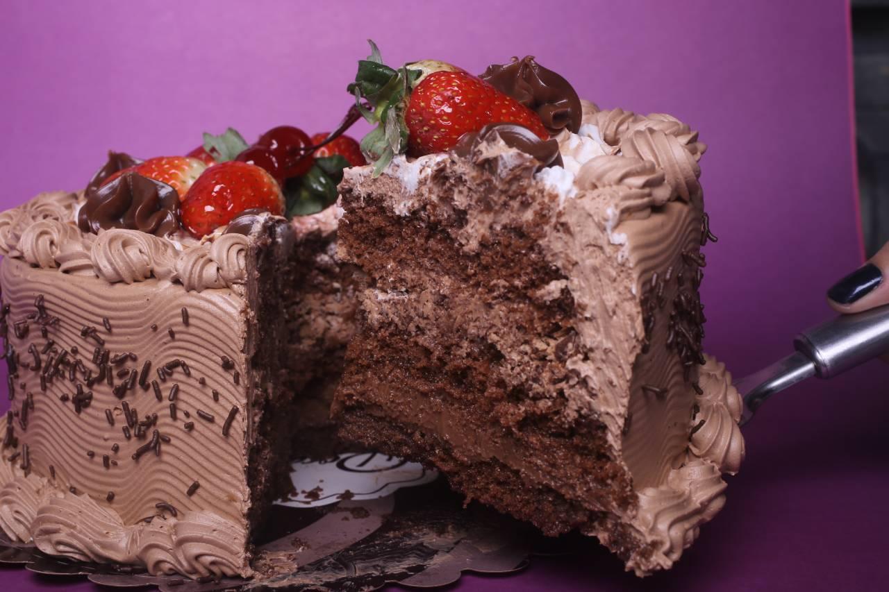 Confeitaria de bolos, doces e salgadinhos